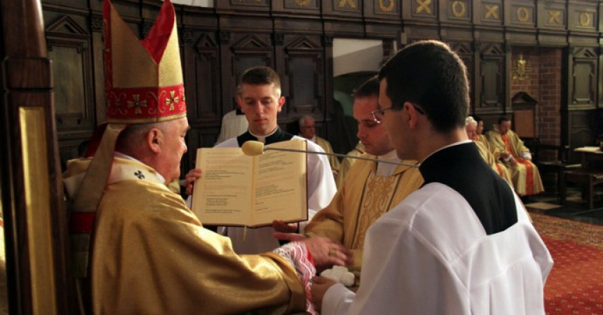 Priestly Ordination of Fr. ?ukasz Nawotczy?ski – ASSUM