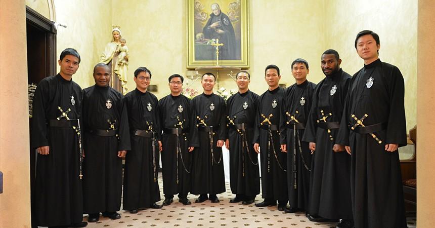 Professione in PASPAC (Vietnam, Papua Nuova Guinea, Cina e Australia)