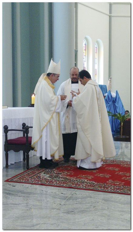 Z_Eduardo_Ordenaçao presbiteral_21 maio 2016-8