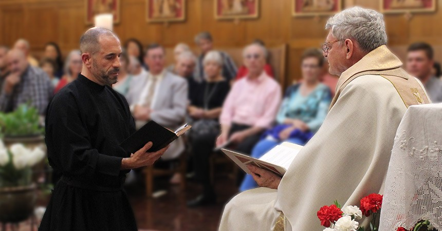 Primera profesión de Nicholas Divine del Corazón traspasado de María